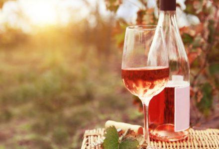 teaserbox 8619854 440x300 - Weinpakete - Kontaktloser Lieferservice
