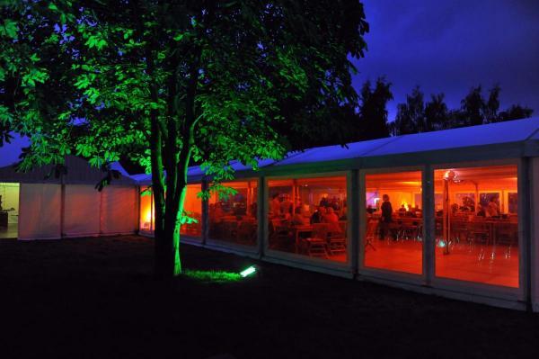 Sommerfest im Giebelzelt