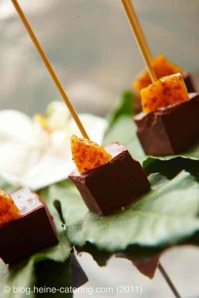 Schokoladenlolli mit kandierten Früchten