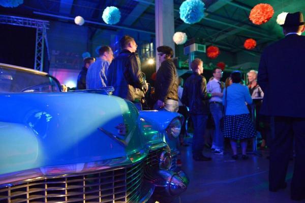 Cadillac als Hingucker der Raumgestaltung